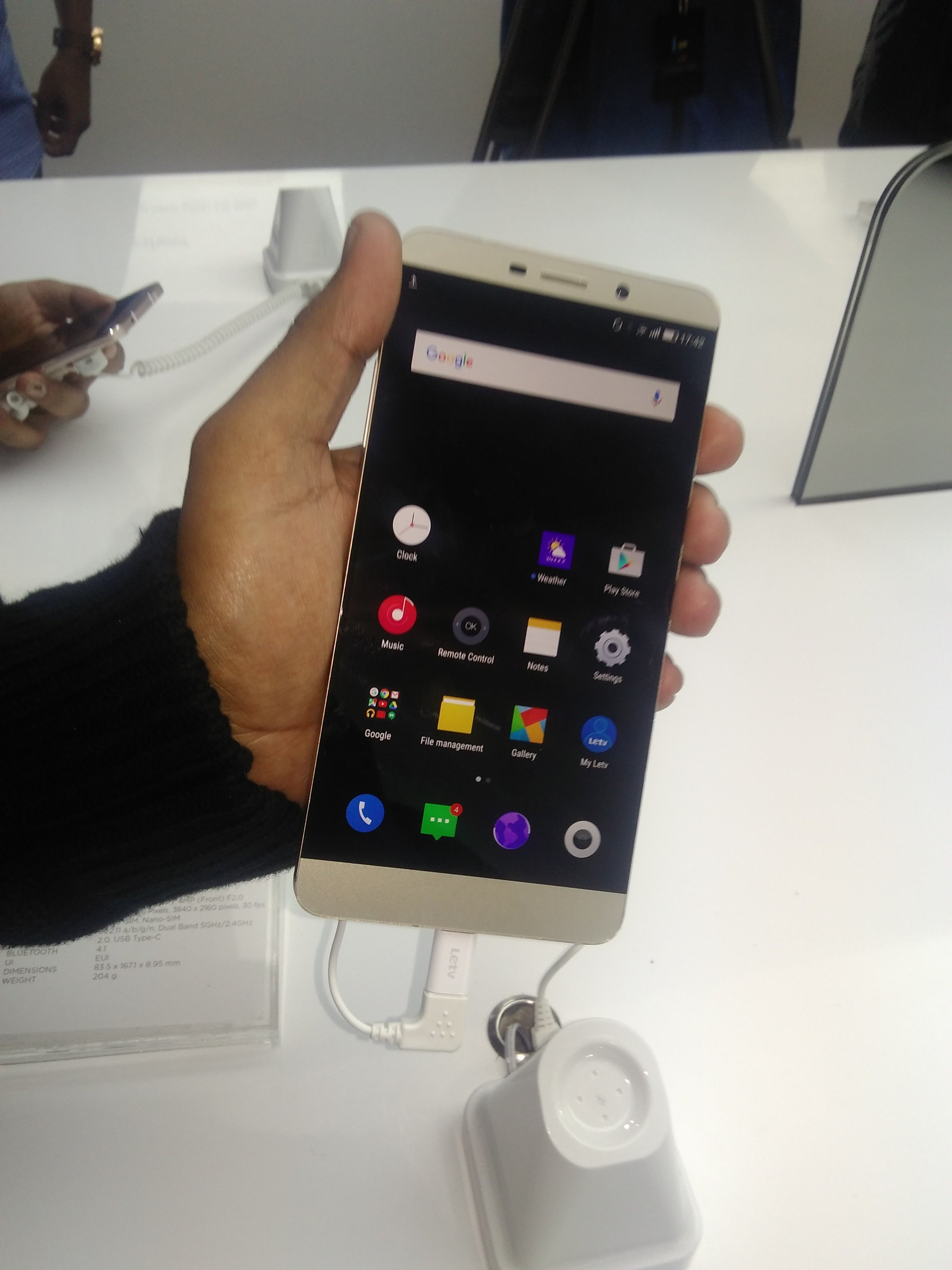 LeEco Launches Flagship Super Phones LeMax Review (2)